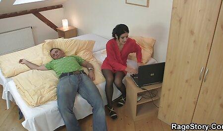 La milf brune Charlee Chase partage son mari avec Alexis site porno adulte Golden!