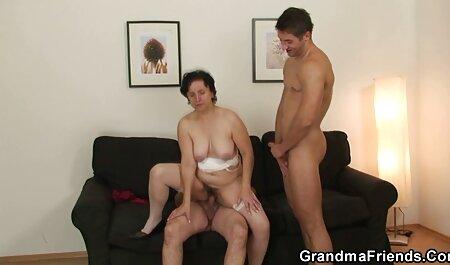 TUSHY, une femme dominante regarde son mari baise une adolescente film sexe pour adulte