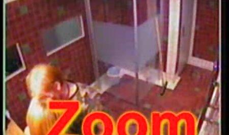 Xianna Hill se fait défoncer la chatte humide dans film adulte pornovore un vestiaire