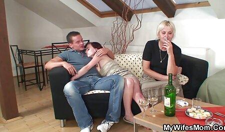 Jeune amatrice vidéo streaming adulte doigt baisée et donne la tête en pov